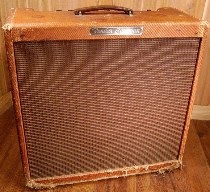 Amplificador Fender Bassman. Mítico amplificador valvular de guitarra.