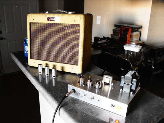 Amplificador de guitarra DIY.