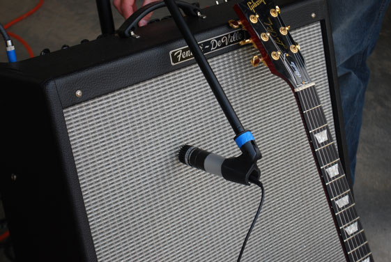 Fender DeVille reamplificado